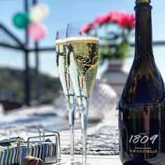 Great photo, great Champagne ~ A.D. Coutelas Cuvée 1890☀️🍾🍓 ••••••••••••••••••••••••••••• ✅ Tag #champagneworldwide  and follow us for a chance to be featured! ••••••••••••••••••••••••••••• 🚫Drink Responsibly - All who are on this page must be of legal drinking age ••••••••••••••••••••••••••••• 📷Photography by @louisesblibedre •••••••••••••••••••••••••••••  via ✨ @padgram ✨(http://dl.padgram.com)