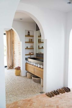 Most of you must be heard something about Mediterranean style for a home. This kind of home style is a famous style, especially in America. A Mediterranean home usually is full of elegant, luxury, and Mediterranean Decor, Mediterranean Bathroom, Mediterranean Architecture, Bathroom Interior Design, Interior Decorating, Eclectic Bathroom, Interior Livingroom, Interior Paint, Interior Ideas
