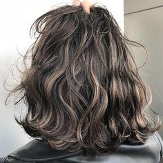 33 Adorable Dyed Hair Ideas For Brunettes To Try Asap - Hair Streaks, Hair Highlights, Wavy Hair, Dyed Hair, Perm Hair, Medium Hair Styles, Curly Hair Styles, Natural Dark Hair, Shot Hair Styles