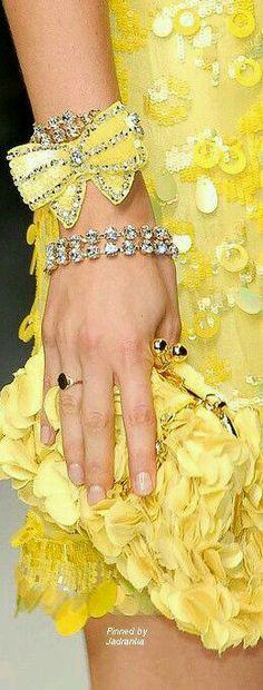 Jadranka & Beautiful world Lemon Yellow, Orange Yellow, Color Yellow, Yellow Orchid, Yellow Fashion, How To Squeeze Lemons, Mellow Yellow, Bright Yellow, Shades Of Yellow