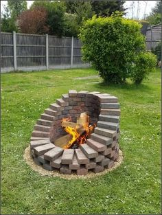 If you are looking for Backyard Fire Pit Ideas, You come to the right place. Below are the Backyard Fire Pit Ideas. This post about Backyard Fire Pit Ideas was p. Cool Fire Pits, Diy Fire Pit, Fire Pit Backyard, Backyard Patio, Backyard Seating, Outdoor Fire Pits, Garden Fire Pit, Garden Hose, Diy Patio