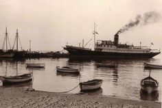 Ραφήνα, το πλοίο Μοσχάνθη στο λιμάνι Greece History, Old Photos, Sailing Ships, Boat, Places, Image, Retro, Antique Photos, Dinghy