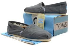 Authentic Toms Classic Canvas Shoes Unisex Gray US Sizes Cheap Toms Shoes, Toms Shoes Outlet, Toms Crochet, Crochet Shoes, Red Toms, Men's Toms, Toms Classic, Wholesale Shoes, Shoe Sale