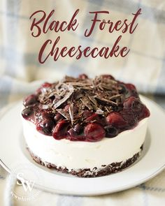 This Black Forest cheesecake is the best perfect chocolate and cherry cheesecake. It has a Bourbon biscuit base, no bake cheesecake centre and is topped with cherries and dark chocolate chopped up on top. The best winter cheesecake. Fruit Cheesecake, Easy Cheesecake Recipes, Easy Baking Recipes, Dessert Recipes, Homemade Cheesecake, Classic Cheesecake, Black Forest Cheesecake, Easy Summer Desserts, Summer Fruit