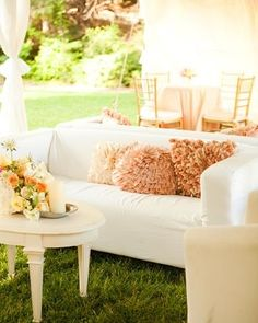 Natural style. Great for outdoor reception.