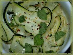 Jamie Oliver, Mozzarella, Zucchini, Vegetables, Food, Vegetable Recipes, Eten, Veggie Food, Meals