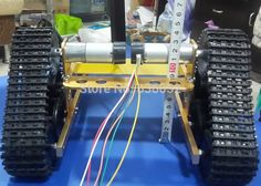 112.72$  Watch now - http://alizns.worldwells.pw/go.php?t=32282962675 - Official DOIT Golden Yellow RC Tank Chassis DIY RC Toy Wireless Remote Control Caterpillar Tracktor Brrandloand Robot Walle Car