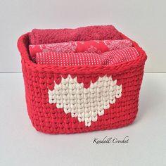 """Páči sa mi to: 461, komentáre: 5 – Kendall Crochet (@kendallcrochet) na Instagrame: """"#kendallcrochet #crochetrug #crochetbasket #crochetersofinstagram #crochetaddict #crochet…"""""""