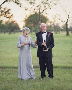 70 years of marriage and they got their first wedding photos! LOVE THIS!