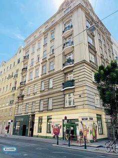 Wunderschöne 2 Zimmer Wohnung..., 96 m², € 974,22, (1090 Wien) - willhaben Multi Story Building, Real Estates