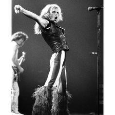 David Lee Roth 1980 by Taylor Player Alex Van Halen, Eddie Van Halen, David Lee Roth, You Really Got Me, Classic Songs, Vintage Vans, Black Sabbath, Aerosmith, Cool Bands