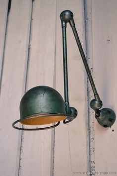 Beuatiful Jielde lamp wall mounted, and a 2 arms! Really great original colours, love it! #LaBoutiqueVintage