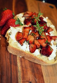 Balsamic Strawberry Bruschetta | wedo.