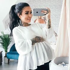 I love her all tatted and pregnant. Looks so badass but glam. – Michelle Bernal I love her all tatted and pregnant. Looks so badass but glam. I love her all tatted and pregnant. Looks so badass but glam. Cute Maternity Outfits, Stylish Maternity, Mom Outfits, Maternity Pictures, Maternity Wear, Maternity Fashion, Maternity Dresses, Maternity Style, Pregnancy Wardrobe