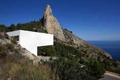 Modern Minimalist Residence located in the coastal city of Calpe in Alicante, Spain. Architects: Fran Silvestre Arquitectos (Architects)