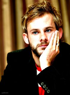 Dominic Monaghan - he was too adorable in Lost! Tolkien, Charlie Pace, Charlie Lost, Lost Tv Show, Star Wars, I Miss Him, The Villain, Celebs, Celebrities