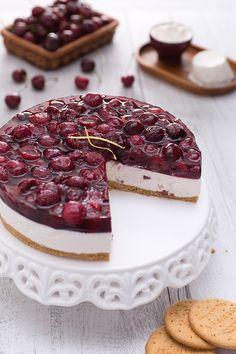 Cheesecake with cherries - Cheesecake alle ciliegie - Le Ricette di GialloZafferano.it