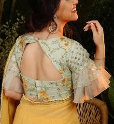 Cotton saree is everything elegant in a wedding and if you're planning to flaunt it this season, here are cotton saree blouse back neck designs to amp it up! Indian Blouse Designs, Brocade Blouse Designs, New Saree Blouse Designs, Netted Blouse Designs, Blouse Designs High Neck, Simple Blouse Designs, Stylish Blouse Design, Designer Blouse Patterns, Bridal Blouse Designs