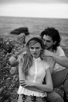 peter lindbergh photographs2 Lara Stone + Kit Harington Cozy Up for Vogue Spread by Peter Lindbergh