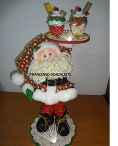 santa heladero Mary Christmas, Christmas Crafts, Christmas Ornaments, Xmas Tree, Christmas Tree Decorations, Holiday Decor, Diy And Crafts, Arts And Crafts, Cold Porcelain