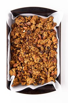 This Carrot Cake Granola takes breakfast up a notch. Gluten free, refined sugar free, and loaded with ingredients that will keep you full all morning long. Slow Food, Croissants, Breakfast Time, Breakfast Recipes, Vegan Breakfast, Breakfast Ideas, Broma Bakery, Vegan Recipes, Cooking Recipes