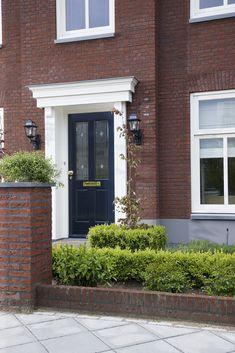 House Front, Doorway, Garage Doors, Exterior, World, Outdoor Decor, Home Decor, English Homes, Home Entrances