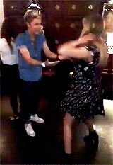 Everyone needs to see Niall dancing