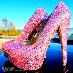 I just fell in love. My 3 favorite things! Pink, rhinestones, and heels!
