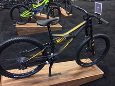 Specialized Enduro EVO 650b with Rock Shox Boxxer Dual Crown fork