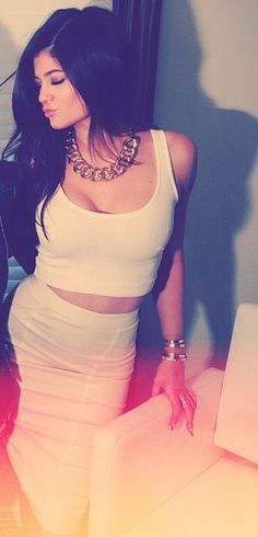 Kylie Jenner's white crop top and white pencil skirt <3