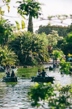 Barcelona - parc de la ciutadella - you can rent a boat in this park
