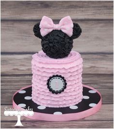 Minnie Mouse smash cake www.facebook.com/i.love.cuteology.cakes