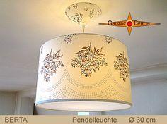 Leuchte BERTA Ø 30 cm Pendellampe mit Diffusor und Baldachin. Blumensträuße im Landhausstil geben gemütliche Eleganz in schönen Naturtönen.
