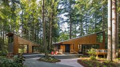 A pair of Corten-clad dwellings with sloped roofs form a nature retreat in the Pacific Northwest designed by US architect David Van Galen for himself and his wife. Cabana, Big Sheds, Clad Home, Forest View, Interior Minimalista, Loft, Steel Panels, Wood Windows, Corten Steel