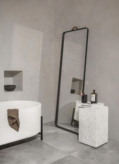 The norm floor mirror from menu is another minimalist design by norm architects with sleek clean lines. This beautiful mirror is portable and functional. Villa Design, Design Hotel, Home Design, Bathroom Design Inspiration, Bad Inspiration, Design Ideas, Menu Design, Design Trends, Interior Design Minimalist