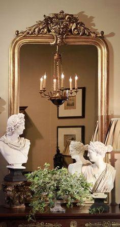 Espectacular espejo de pared dorado Dior