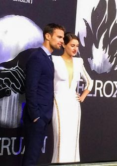Sorry her eyes are closed but this is one of the only pics I could find from the Divergent Premiere in Berlin ~Divergent~ ~Insurgent~ ~Allegiant~