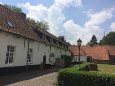 9 juni 2017 - Norbertijnen Abdij van Postel in België net over de grens bij Reusel. Gesticht in de 12e eeuw. Mooie gebouwen, prachtige tuin met pesthuisje. ommuring, abdijbier, brood en kaas.