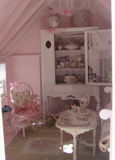 Pink Fairy Cottage - interior