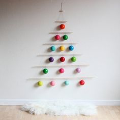 Small Space Solutions: 5 Last-Minute Creative Christmas Trees for Tiny Homes | Apartment Therapy