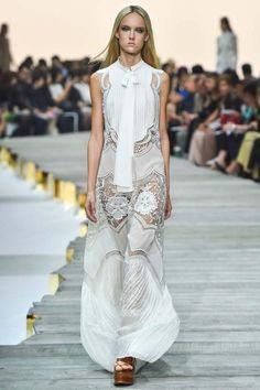 Roberto Cavalli Dress - Spring 2015 Ready-to-Wear Roberto Cavalli, Runway Fashion, Fashion Show, Fashion Design, Milan Fashion, Fashion Glamour, Uk Fashion, Fashion Spring, Josephine Le Tutour