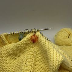 Post - tricot,stricken-Love that increase method! Crochet Stitches, Knit Crochet, Crochet Hats, Knitting Patterns Free, Crochet Patterns, Knitting Daily, Chocolate Stout, Learn How To Knit, Toddler Gifts