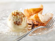 Vanilkovo - karamelová zmrzlina se skořicovými hruškami - Dezerty - recepty - Sýr Philadelphia