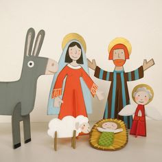Paint Your Own Nativity Scene - a wonderful creative activity for the run-up to Christmas!  The 20 figures are designed by French artist Godeleine de Rosamel and made from thick white cardboard. They are pre-cut and ready to be decorated! There are also golden haloes, crowns and stars to stick on, plus the Christmas story in 4 languages and advice on painting.  Perfect for children from 4 upwards (and adults!) .