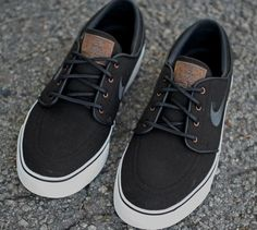 "Nike SB Zoom Stefan Janoski ""Black Canvas"" this guy has the best shoes ever!"