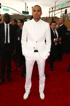 men & women in white suit | Chris-Brown-wearing-White-Lanvin-Tuxedo-and-white-leather-derby-shoes ...