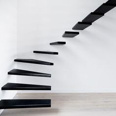escalier suspendu !