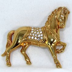 Swarovski Gold-tone Horse Pin Brooch with Crystals by Preludes2Art Insect Jewelry, Horse Jewelry, Animal Jewelry, Equestrian Style, Swarovski Jewelry, Sterling Silver Necklaces, Jewels, Fashion Jewelry, Horses