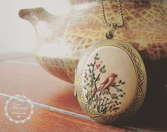 Browse unique items from VintageFloralJewel on Etsy, a global marketplace of handmade, vintage and creative goods.
