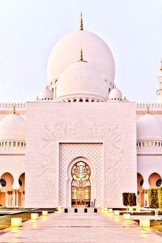 Sheikh Zayed Grand Masjid,Abu Dhabi #UAE Completed 2007 Design influenced by Persian,Moorish & Mughal #Architecture